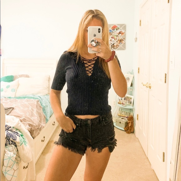 Forever 21 Tops - Cropped sweater